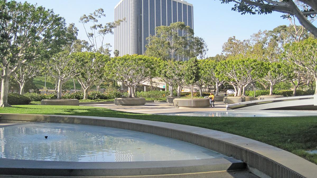 CA_LosAngeles_UnionBankSquare_47_CharlesBirnbaum_2011_sig_011.jpg