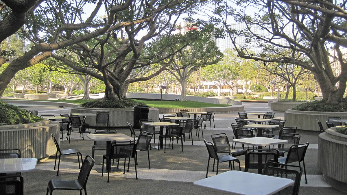 CA_LosAngeles_UnionBankSquare_54_CharlesBirnbaum_2011_sig_012.jpg
