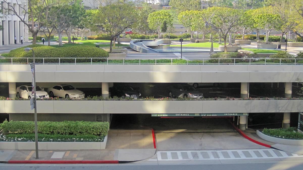 CA_LosAngeles_UnionBankSquare_58_CharlesBirnbaum_2011_sig_013.jpg