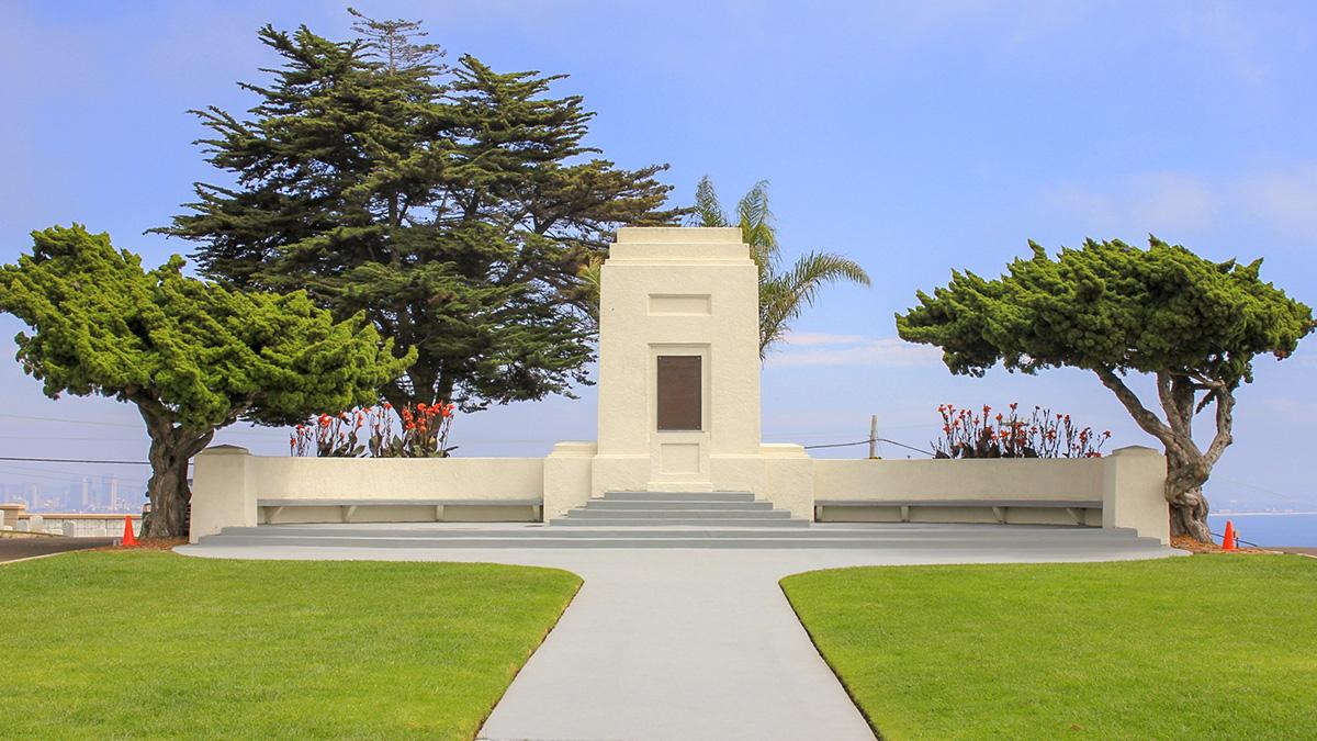 CA_SanDiego_FortRosecrans_Cemetery_Cultivar413_Flickr_006_sig_001.jpg
