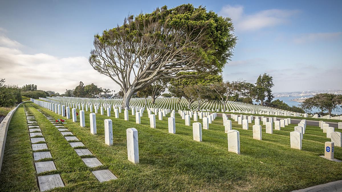 CA_SanDiego_FortRosecrans_Cemetery_Mattia_Panciroli_Flickr_008_sig_005.jpg