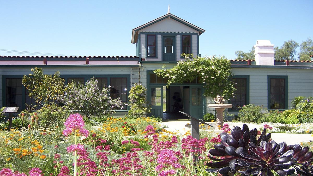 CA_SanDiego_RanchoGuajomeAdobeCountyPark_courtesyWikimediaCommons_2005_002_sig_001.jpg