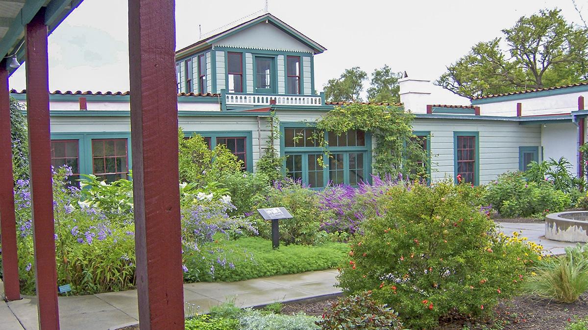 CA_SanDiego_RanchoGuajomeAdobeCountyPark_courtesyWikimediaCommons_2005_005_sig_002.jpg