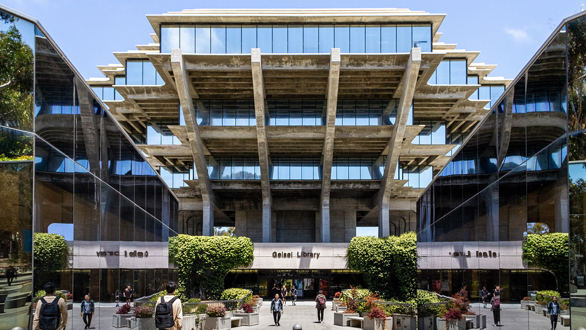 CA_SanDiego_UCSD_byKelseyKaline_2019_002_sig_001.jpg