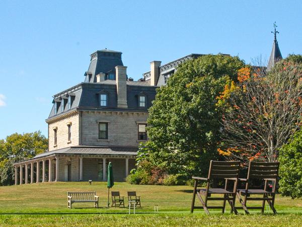 Chateau-Su-Mer_08_MadelineBerry_2014.jpg