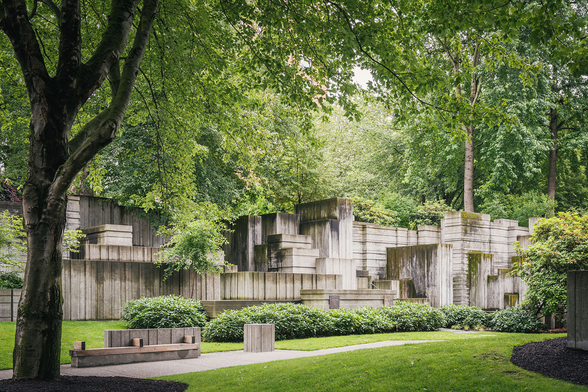 Freeway Park, Seattle, WA, 2016. Photograph © Aaron Leitz, courtesy The Cultural Landscape Foundation-LO RES.jpg