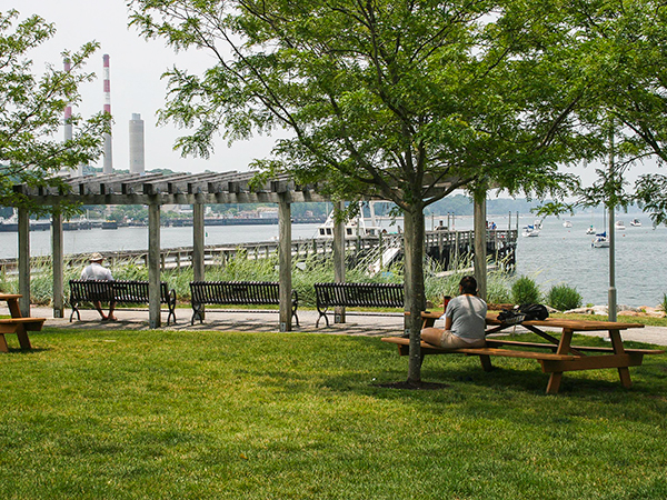 HarborfrontPark7_courtesyQuennellRothschildAssociates.jpg
