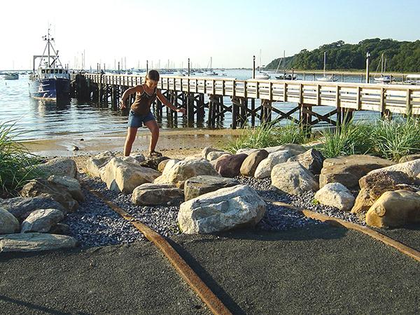 HarborfrontPark8_courtesyQuennellRothschildAssociates.jpg