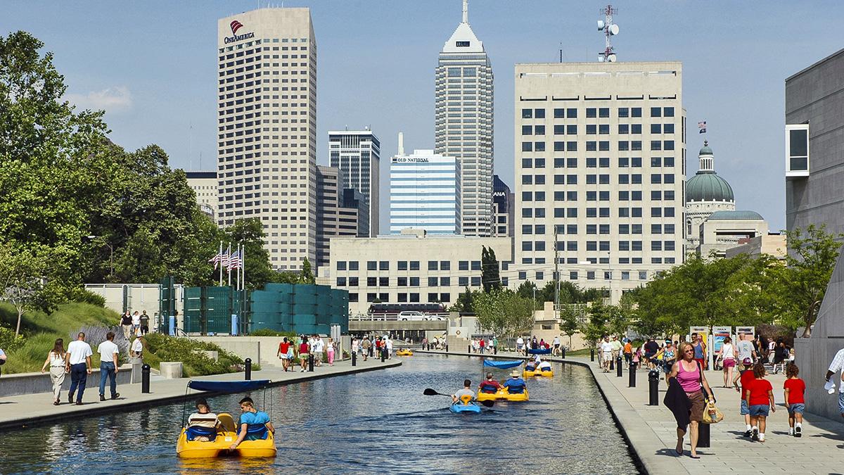 IN_Indianapolis_CanalWalk_11_CraigKuhner_2005.jpg