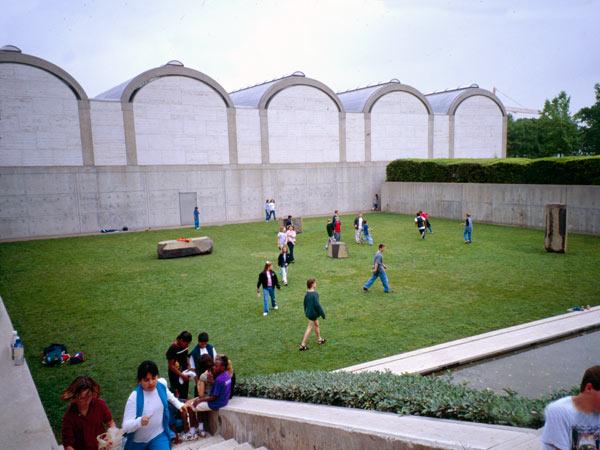 KimbellArtMuseum_01-TX-CB-2000.jpg