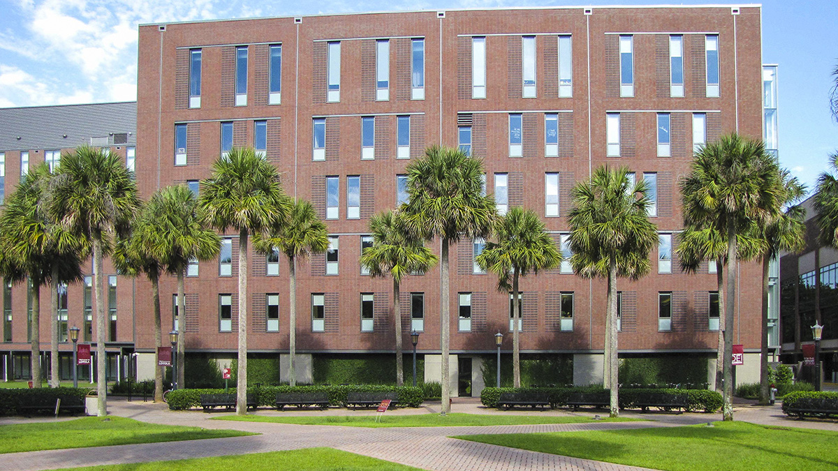 LoyolaUniversity_feature_2016_JoniEmmons_004.jpg