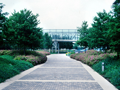 Lucent-Technologies-Research-&-Development-Faciility-Campus,-Naperville,-IL,-with-Kevin-Roche-John-Dinkeloo-&-Associates,-architects-.jpg