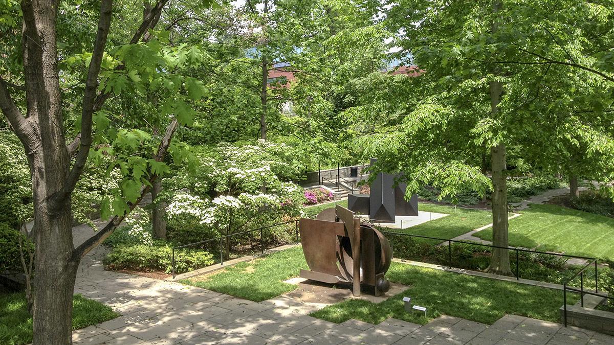 MD_Baltimore_LeviSculptureGarden_CharlesBirnbaum_2014_02_sig_003.jpg