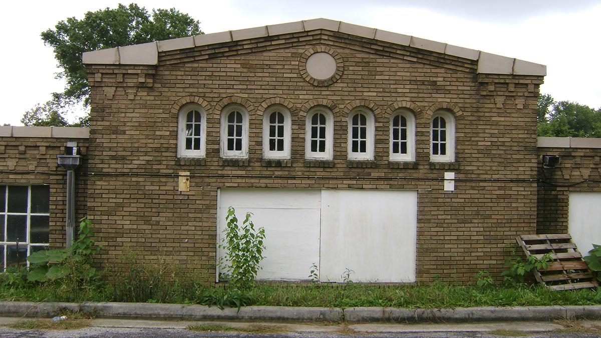 MD_Baltimore_SydenhamHospitalForCommunicableDiseases_byChauncyPrimm-Flickr_2008_007_sig_006.jpg