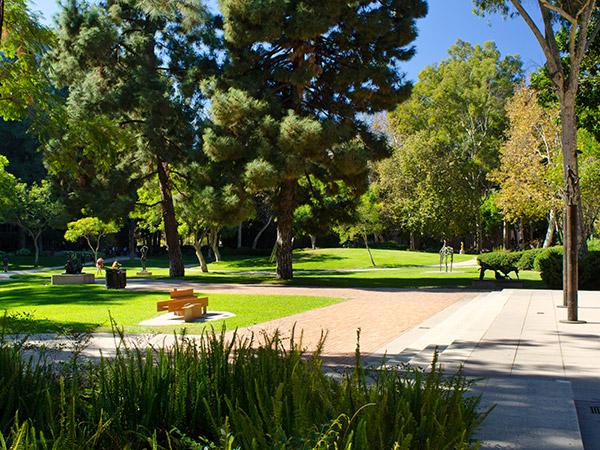 Murphy-Sculpture-Garden--Matthew_Traucht2014-5.jpg