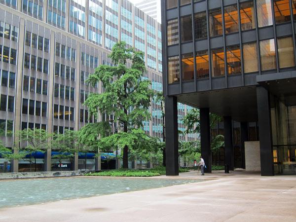 NY-NYC-SeagramsBuilding-CB-2012_02.jpg