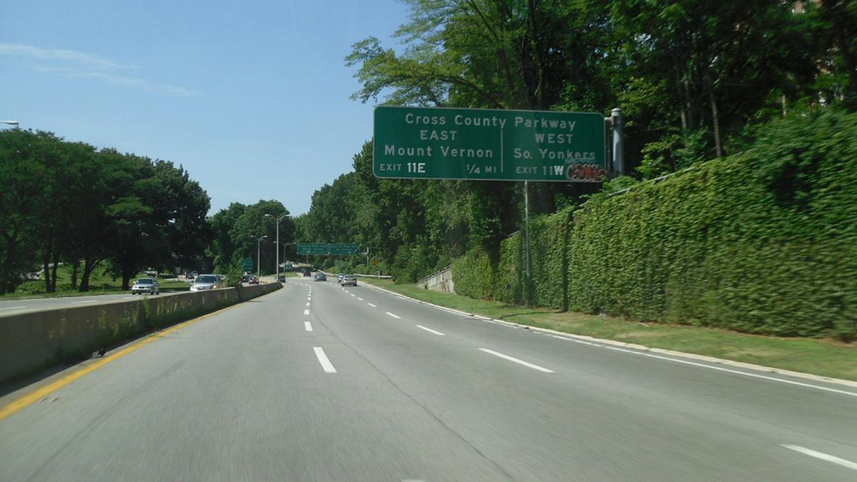 NYC_BronxRiverParkway_signature_DougKerr_2011_02.jpg