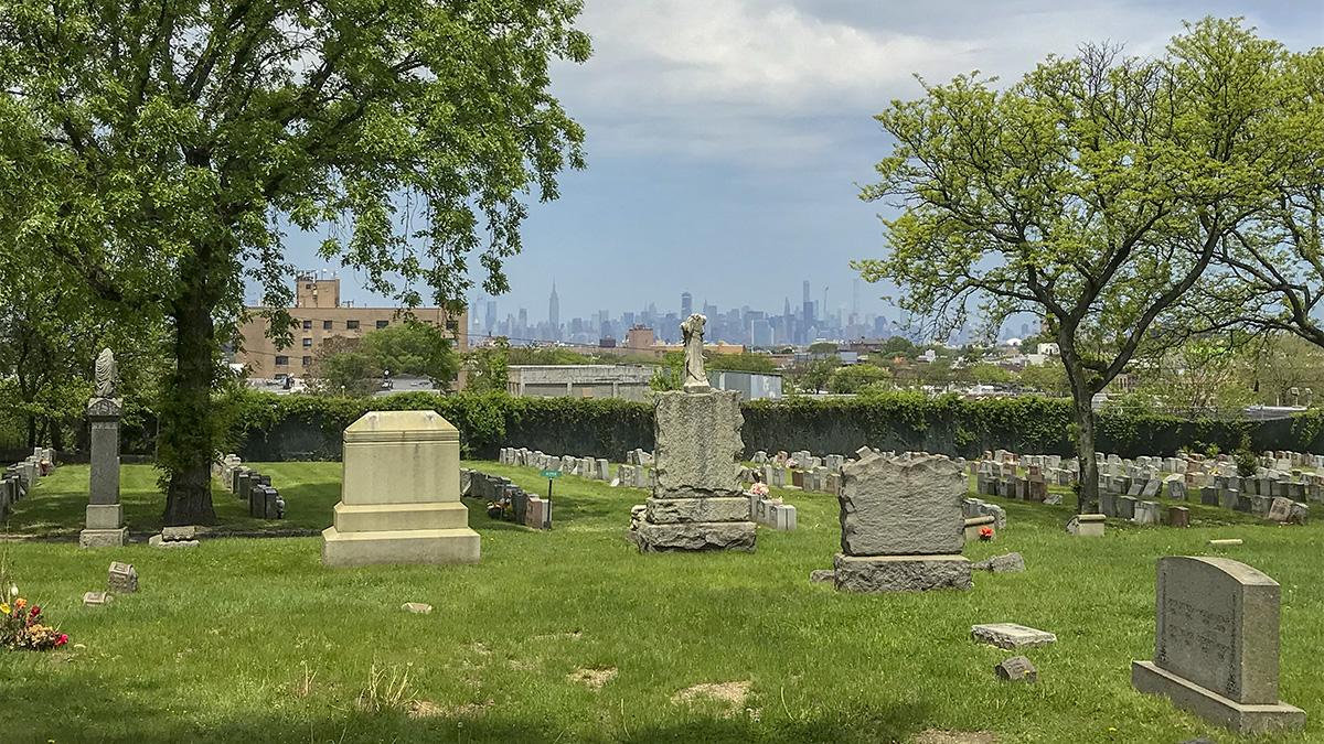 NY_Brooklyn_TheEvergreensCemetery_byCharlesABirnbaum_2019_053_sig_007.jpg