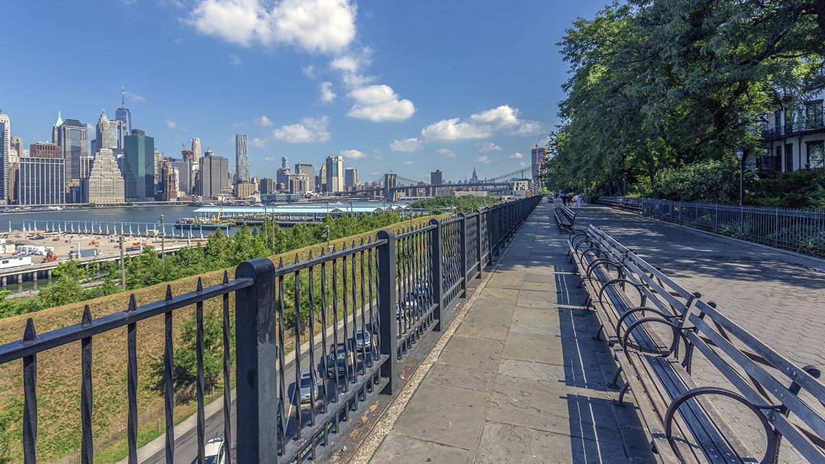 NY_NYC_BrooklynHeightsPromenade_WikimediaCommons_2017_01_sig_008.jpg