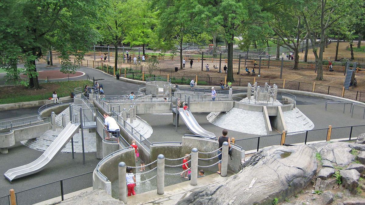 NY_NYC_CentralPark_63rdStreetHeckscherPlayground_02_CourtesyCPC_2006_sig.jpg