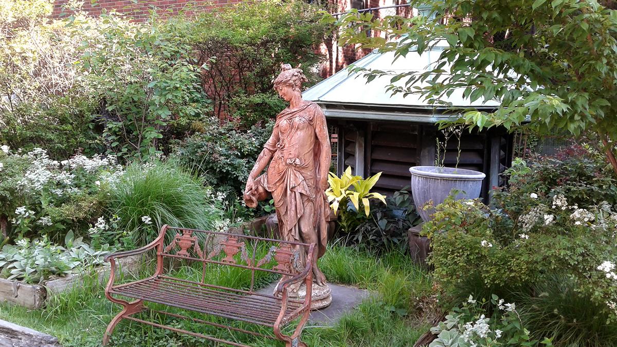 NY_NYC_ElizabethStreetGarden_09_wikicommons.jpg