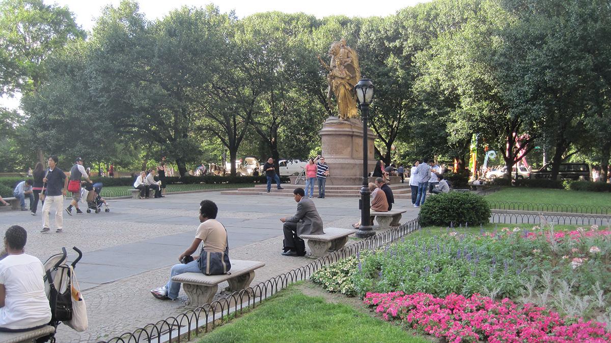 NY_NYC_GrandArmyPlazaNY_16_CharlesBirnbaum_2010_sig.jpg