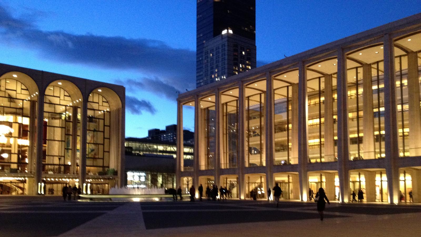 NY_NYC_LincolnCenter_signature_02_EduardKrakhmalnikov_2012.jpg