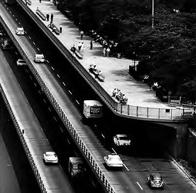 NY_NewYorkCity_BrooklynPromenade_BrooklynHeightsEsplanade_byDavidPlowden_1970_001_inline-1.jpg
