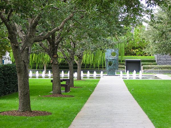 NasherSculptureGarden_06_CharlesABirnbaum_2006.jpg