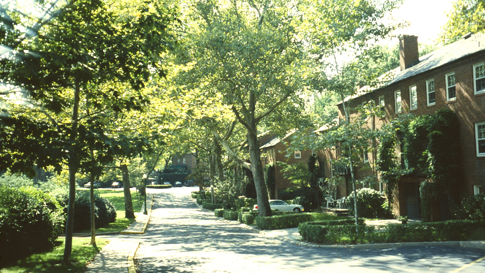PA_Pittsburgh_ChathamVillage_signature_CharlesBirnbaum_1996_02.jpg