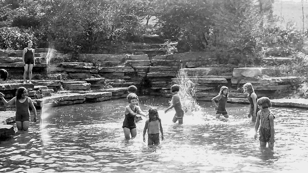 PA_Pittsburgh_SouthParkStoneMansePools_courtesyAlleghenyCountyParksdepartment_1931_002_sig.jpg