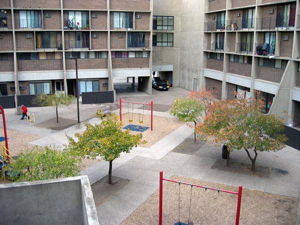 RiversidePlaza6-MN-J-Cutler-2006