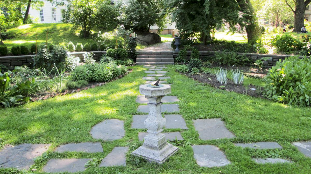 Roger_Morris_Park_garden_WikimediaCommons_2014_04.jpg