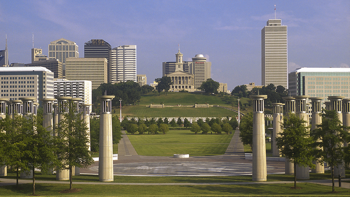 TN_Nashville_BicentennialCapitolMallStatePark_byGaryLayda_2006_002_sig_001.jpg