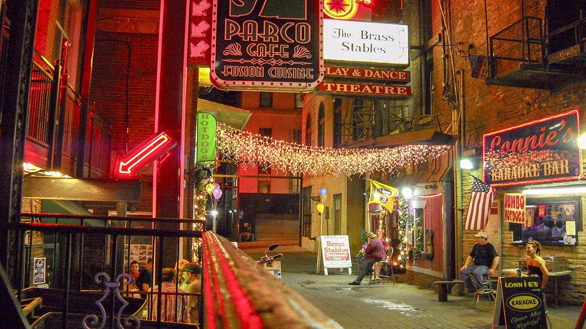 TN_Nashville_PrintersAlley_byDeniseMattox-Flickr_2009_001_sig_07.jpg