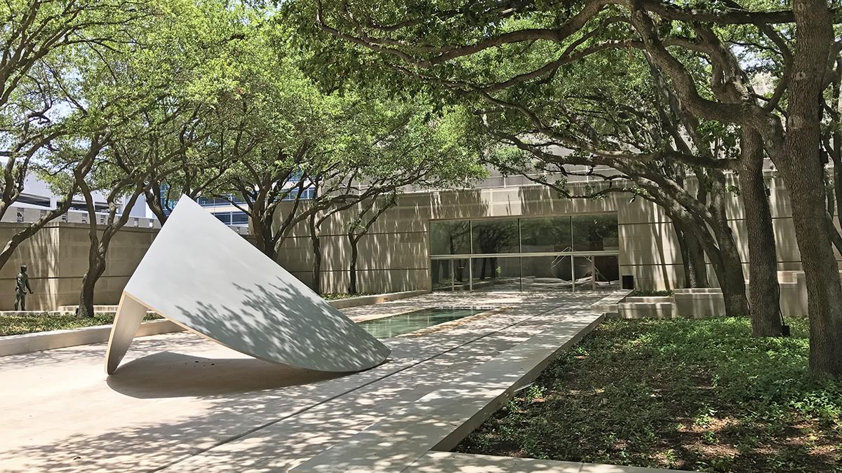 TX_Dallas_DallasMuseumofArt_CharlesABirnbaum_2018_19_sig.jpg