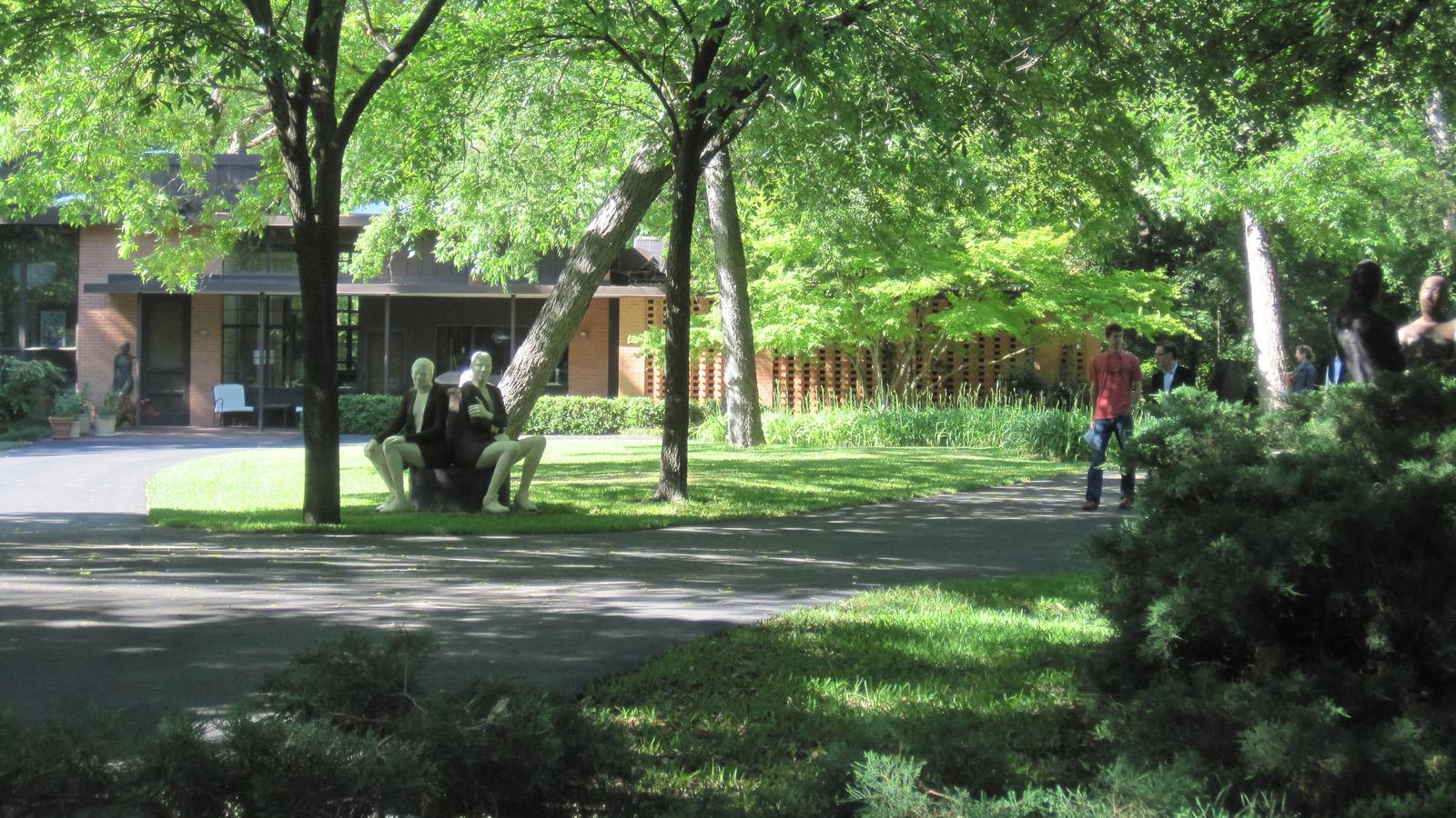 TX_Dallas_ValleyHouseSculptureGarden_signature_CharlesBirnbaum_2010_02.jpg