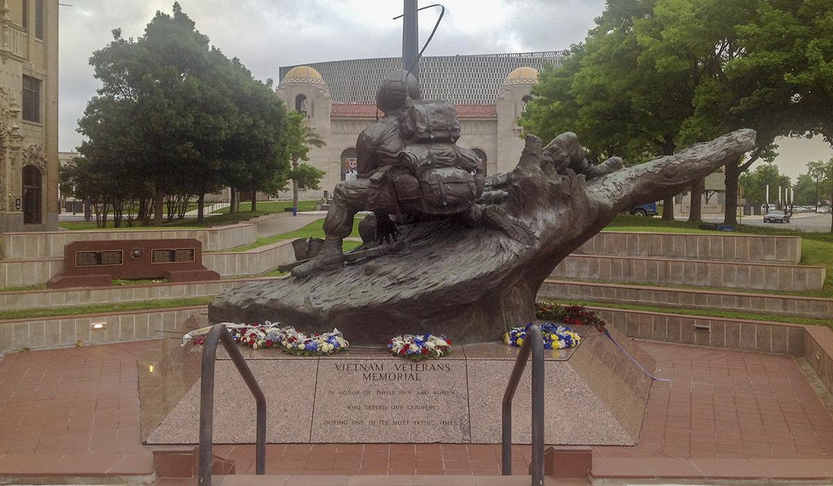TX_SanAntonio_VeteransMemorialPlaza_002_CharlesABirnbaum_2016_007.jpg
