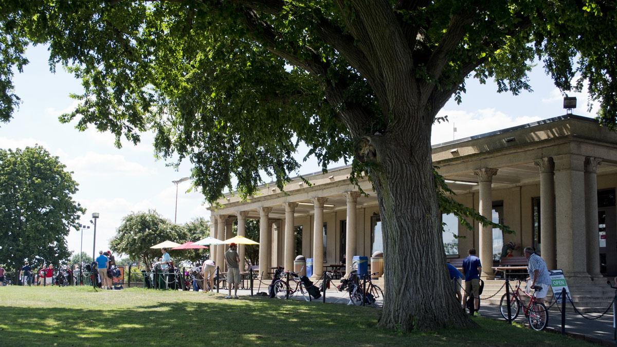 Tim Evanson_Clubhouse_-_East_Potomac_Golf_Course_-_East_Potomac_Park_-_2013-08-25.jpg