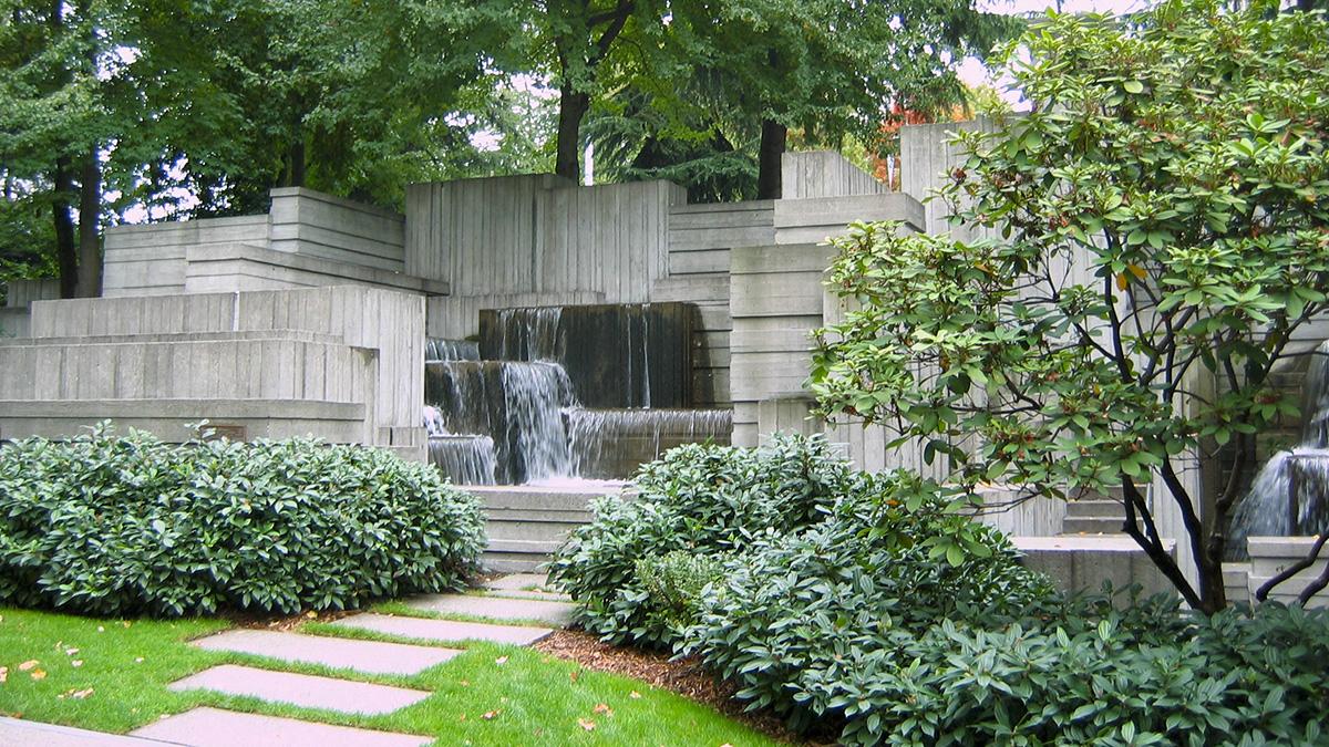 WA_Seattle_FreewayPark_31_CharlesBirnbaum_2006_sig.jpg