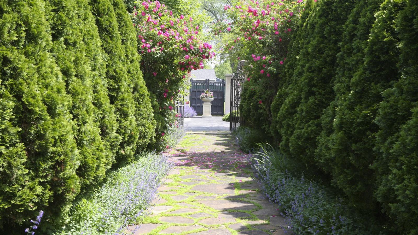 WI_Oshkosh_PaineArtCenter-Gardens_signature_DavidCalle_2015_01.jpg