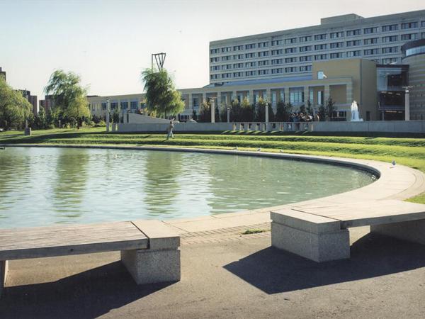 YorkUniversity_2_copyrightJanetRosenbergandStudio.jpg