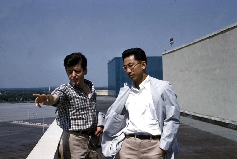 r.-raceway,-1958-c.-hamerman-and-shosi-sadao.jpg